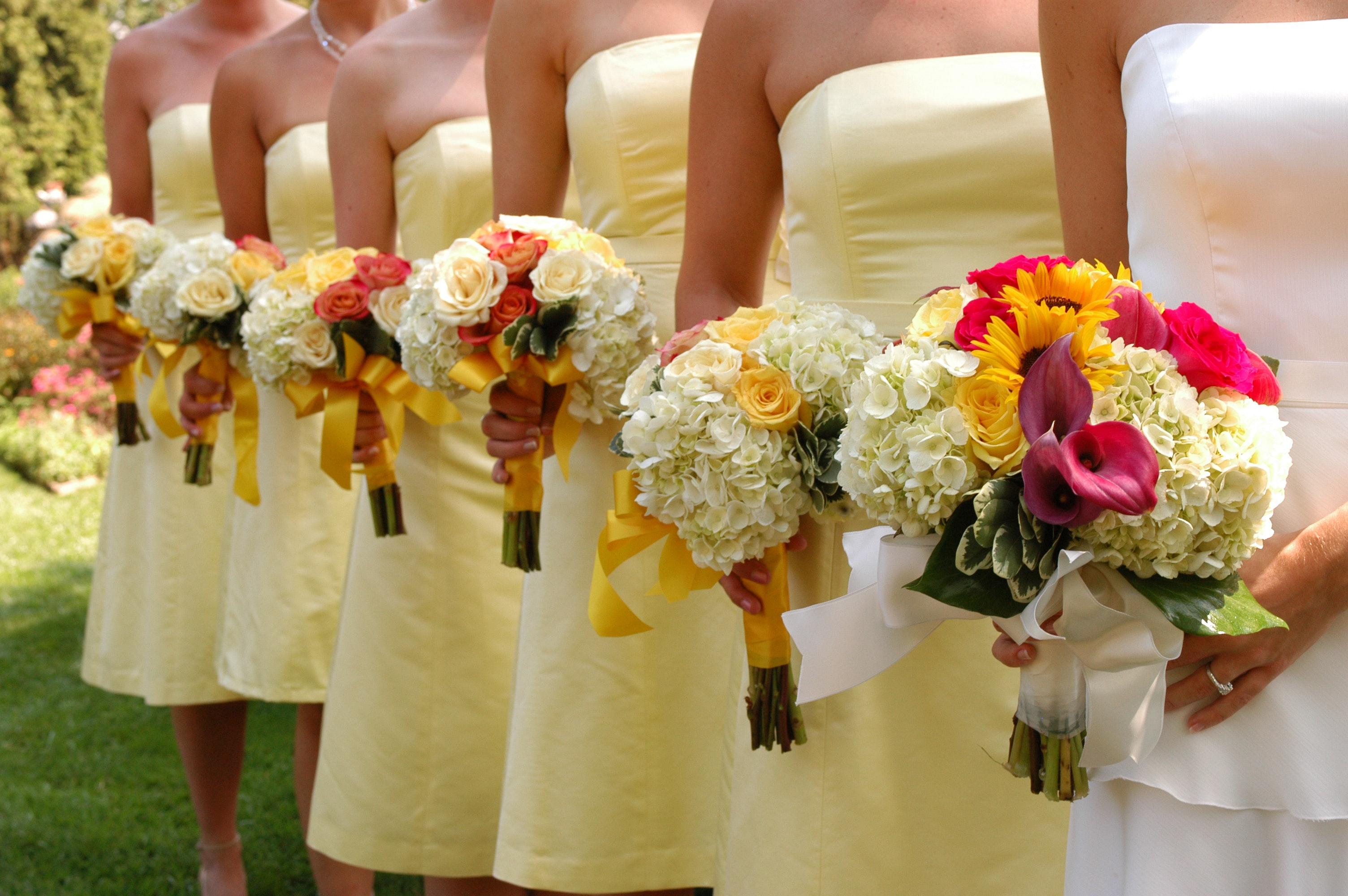 Festliche Kleider zur Hochzeit